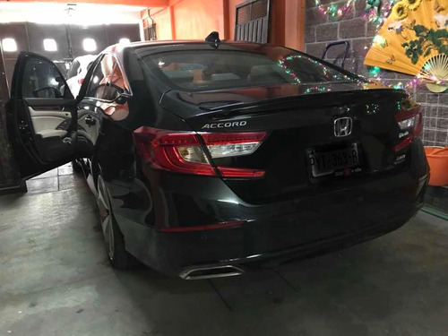 honda accord 2018 2.0 touring at