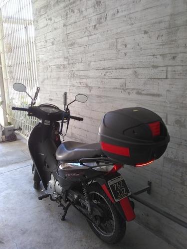honda bizz 125cc -2013 impecable estado parabrisas + baúl