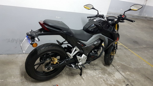 honda cb 190 color negro. modelo 2019. impecable.
