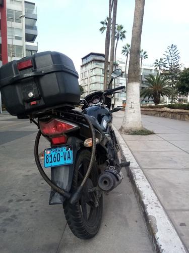 honda cbf 150cc unicorn negra incluye caja, 2 cascos candado