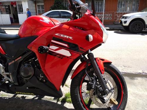 honda cbr 250 roja modelo 2015