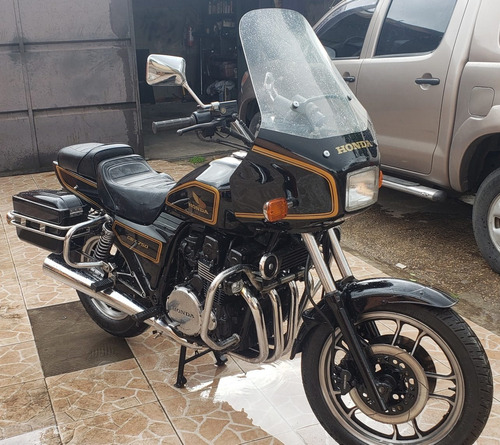 honda cbx 750 negra