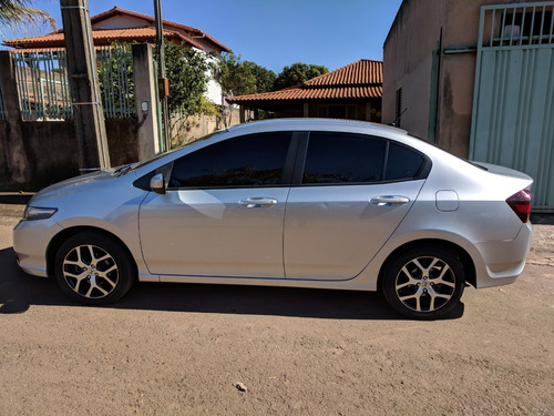 honda city 1.5 sport flex 4p