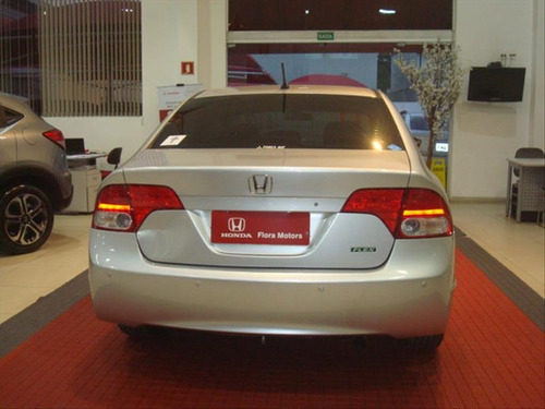 honda civic civic 1.8 lxl at flex