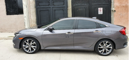 honda civic touring 2019 solo 8500 km