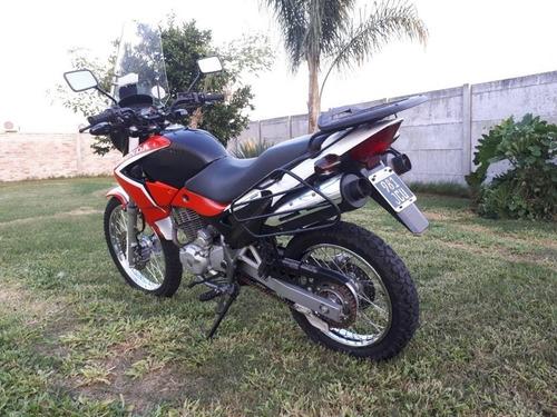 honda falcon 400 cc. negra