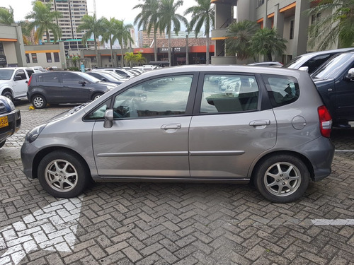 honda fit mt 2008 impecable
