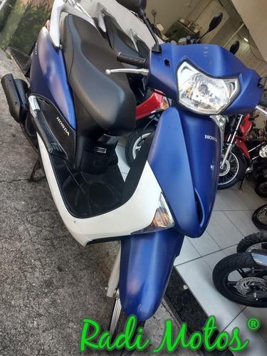 honda lead moto