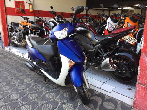 honda lead motos