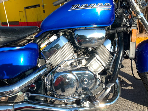 honda magna 750 modelo 2003... hermosa y lista !!!!