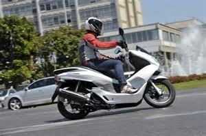 honda pcx 150 scooter