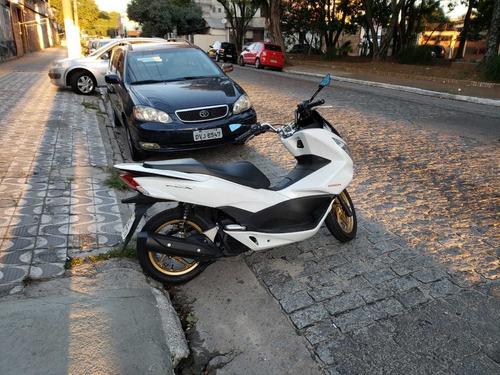honda pcx 150cc 2016 branco fosca nova 14.500 km rodados.