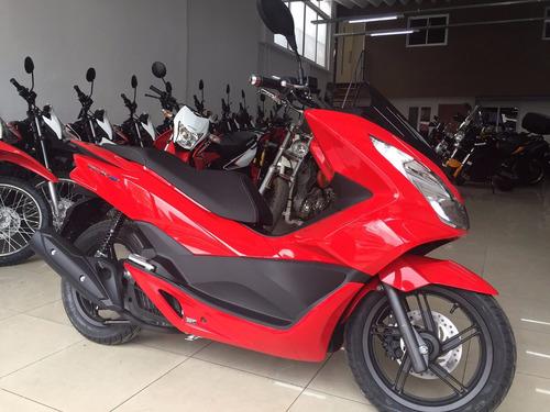 honda pcx150 roja blanca  0 km permuto financio qr motors