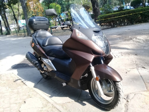 honda. scooter.2007. 600 c.c.