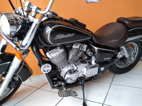 honda shadow 750 2007 preta