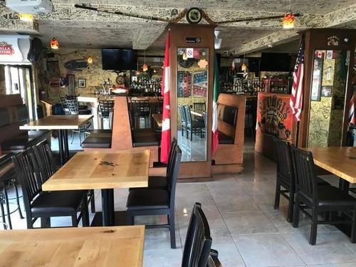 hooliganz corner bar