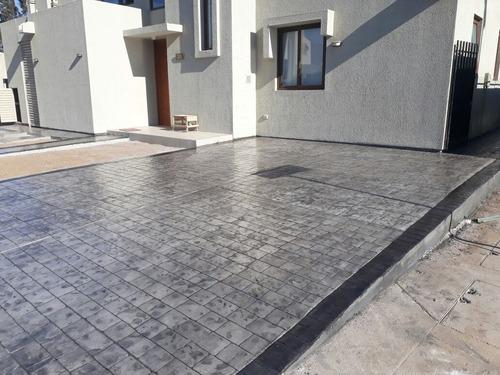 hormigón estampado, diseño y construcción de piscinas.