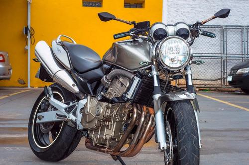 hornet 600cc ano 2007 aceitamos carro e moto como troca.