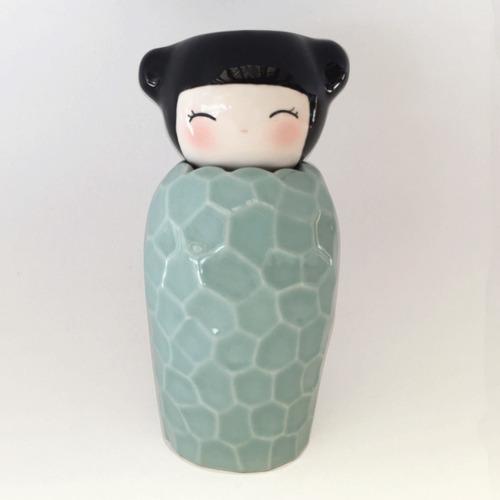 hornito portavelita kokeshi para esencias aromáticas