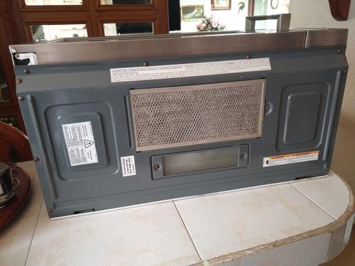 horno con campana extractor americano