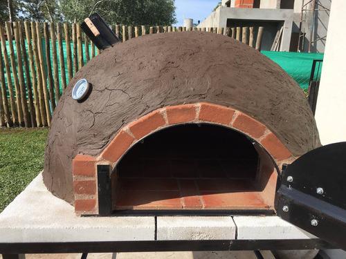 horno de barro con base construccion