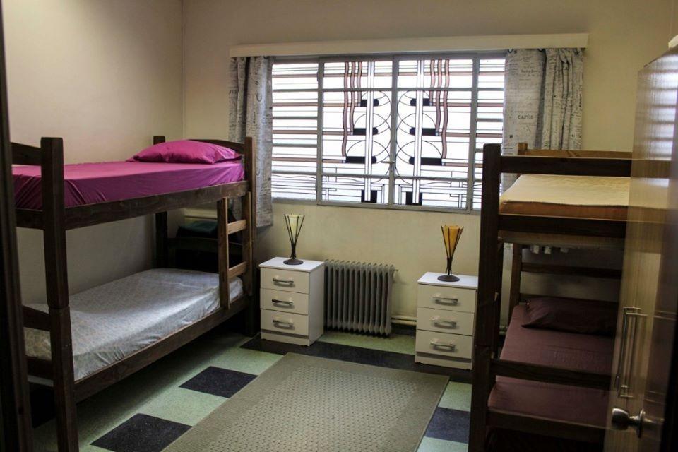 hospedaje exclusivo para jóvenes / habitación en alquiler