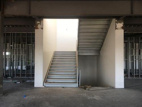 hospital con pisos disponibles ,espacios para diferentes giros