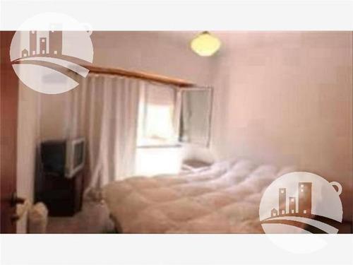 hostel 8 hab.