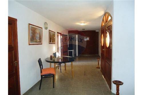 hosteria 10 habitaciones con baño privado