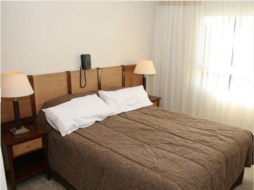 hosteria de 15 habitaciones a 3 cuadras de la playa en mar de ostende