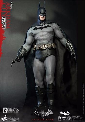 hot toys batman arkham city 30cm 1/6 (superman dc justiça)