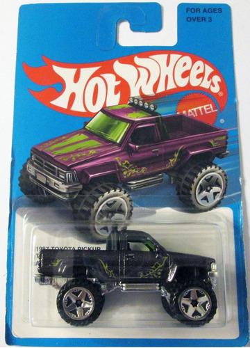hot wheels, 1987 toyota pickup,  escala 1/64 - mide 7 cm.