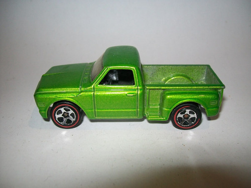 hot wheels 2006 #96 camioneta custom 69 chevy redlines