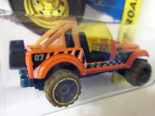 hot wheels 2014 - jeep cj-7, escala 1/64