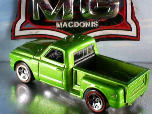 hot wheels 69 chevy pickup custon red line 96/2006 lacrada