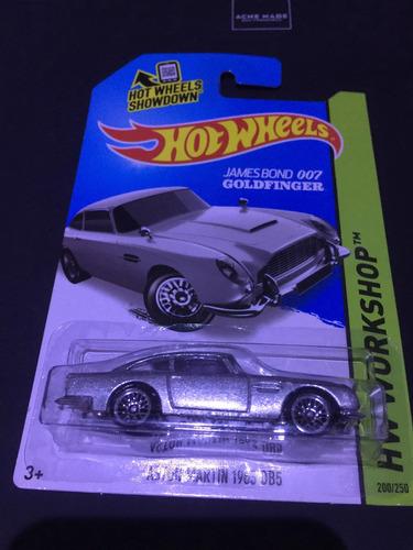 hot wheels aston martin 007