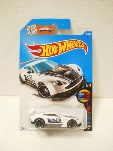 hot wheels aston martin vantage gt3 blanco 61/250 2016 1:64
