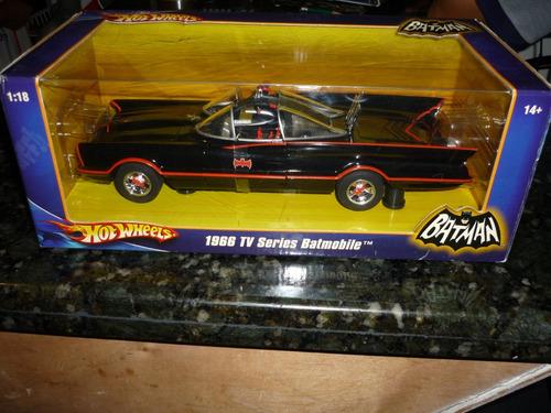 hot wheels batman 1966 tv series batmobile escala: 1:18