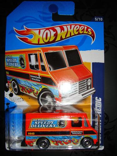 hot wheels combat medic - city works 6u5