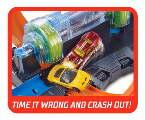 hot wheels corkscrew crash trackset pista + 1 carro 1:64