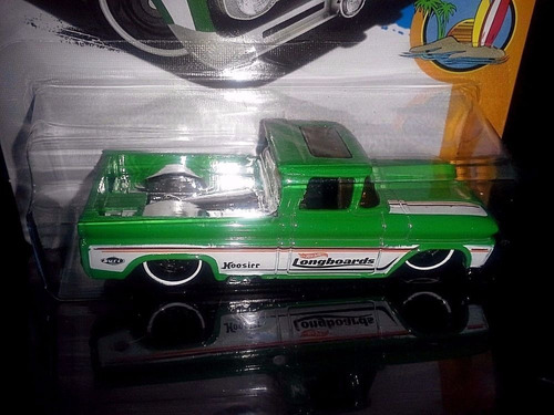 hot wheels custom 62 chevy pickup  1/64