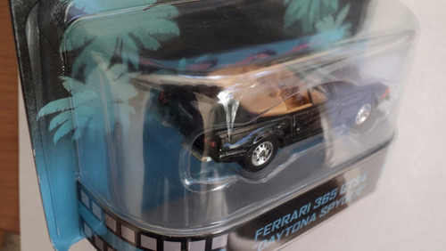 hot wheels ferrari retro miami vice  365 gts4 retro
