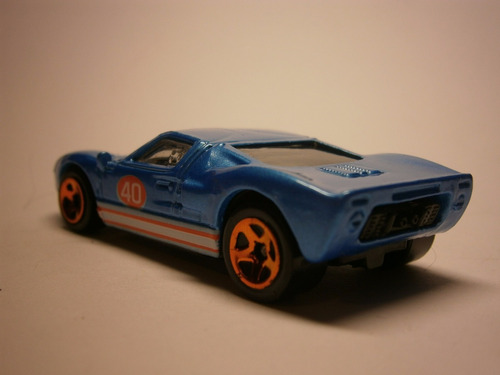 hot wheels ford gt 40 (azul)