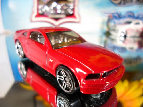 hot wheels  ford mustang gt  06/2005 fe  raro lacrado