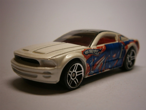 hot wheels ford mustang gt concept (blanco)