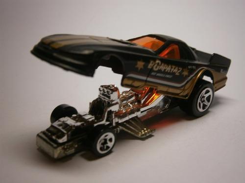 hot wheels mustang funny car (negro)