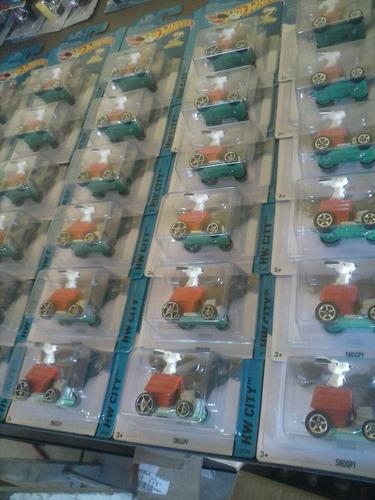 hot wheels snoopy caja 48 piezas peanuts