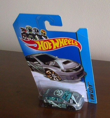 hot wheels subaru wrx sti t-hunt 2014 - lacrado