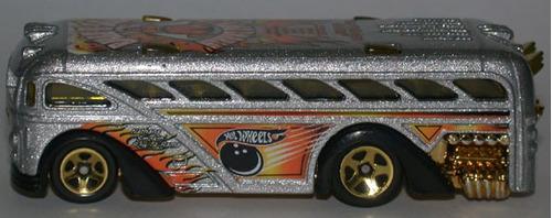 hot wheels surfin school bus - 59 de 2002 (lacrado)