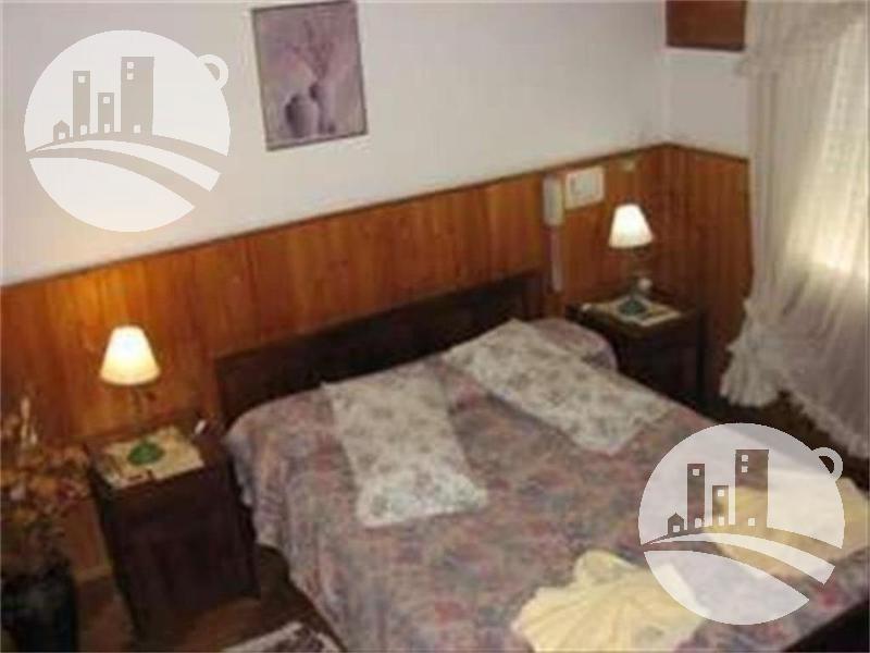 hotel 12 hab. 2*